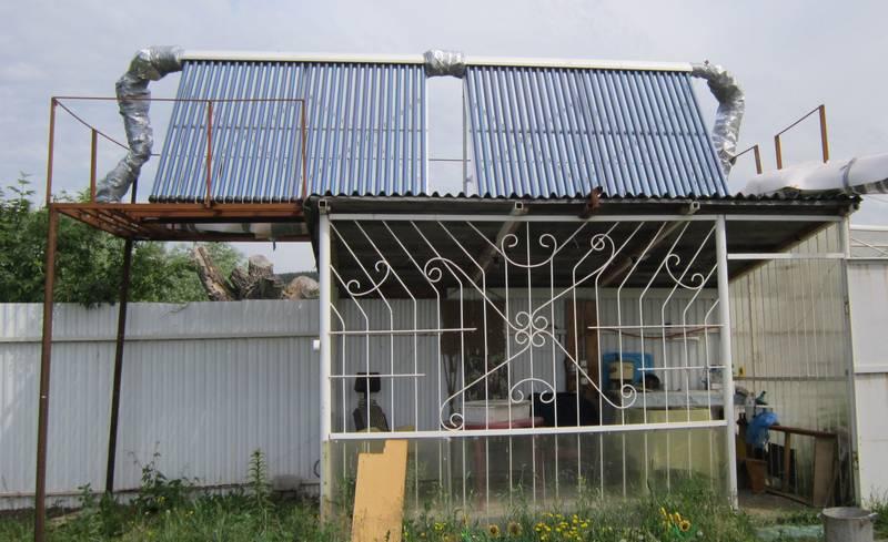 Солнечные коллекторы SCH-30, установленные на крыше беседки