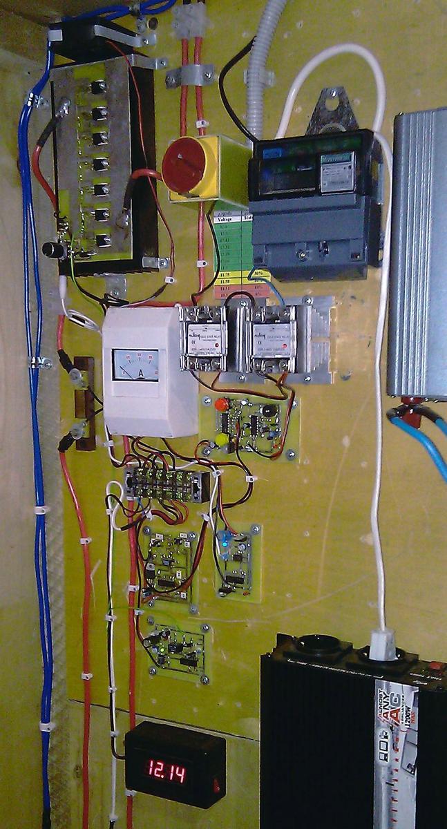 Фото самодельного контроллера заряда