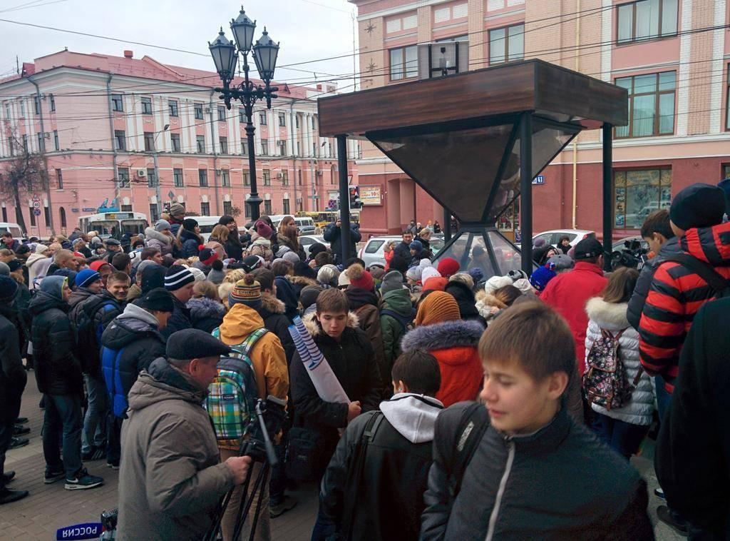 Церемония открытия памятника в Брянске.